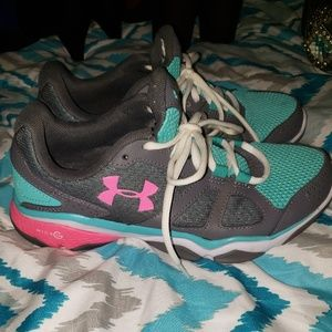 Under Armor Shoes Size 7